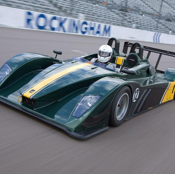 Caterham – SP/300.R Launch